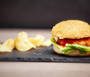 Burger al salmone e pesce spada