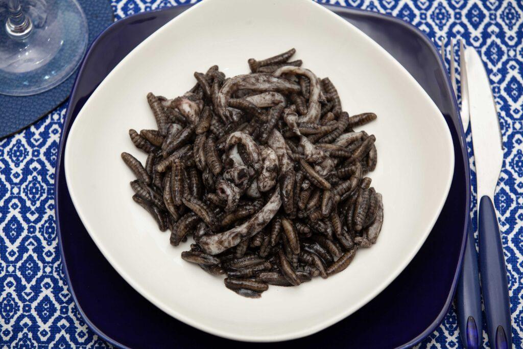 Gnocchetti sardi al nero di seppia - Padelle Volanti