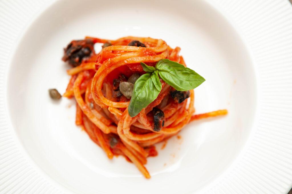 Spaghetti alla puttanesca - Padelle Volanti